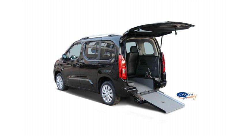 auto con allestimento per disabili